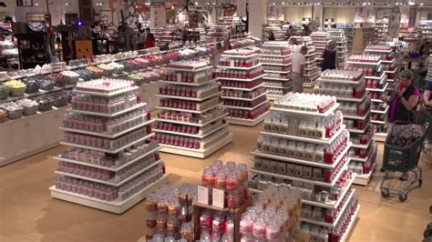 Yankee Candle Factory Tour Deerfield Ma yankee candle s deerfield ma experience the