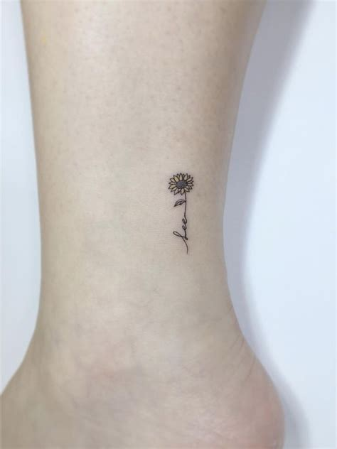 simple sunflower tattoo best 25 sunflower tattoos ideas on sunflower