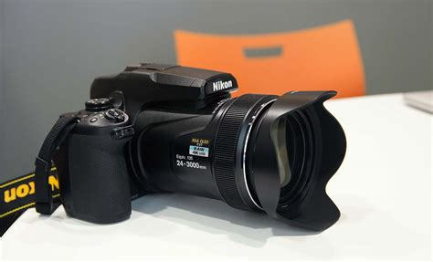 Nikon P900 125x by Nikon S New Coolpix P1000 Has A Bananas 125x Zoom Lens Gizmodo Australia