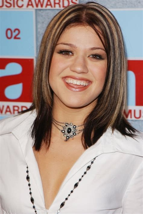 hairstyles of the 2000s 27 forgotten early 2000s fashion trends