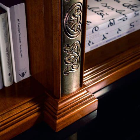 libreria con cornice libreria finitura con cornice intagliata
