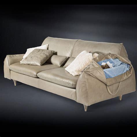 divani in legno massello divano in legno massello e pelle con braccioli porta