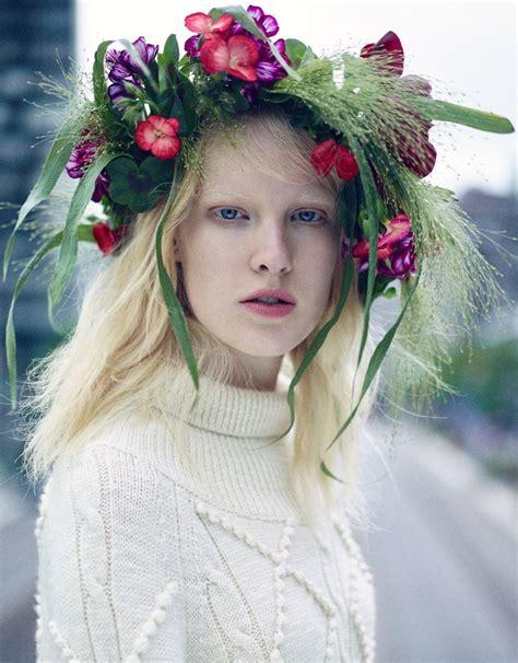 icona pop hair midsummer swedish flower crowns frida gustavsson icona