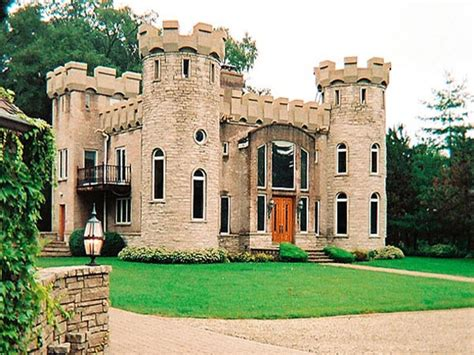 small castle style house mini mansions houses italian - Castle Type House Plans