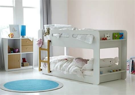must try tips for moving your toddler into a big bed