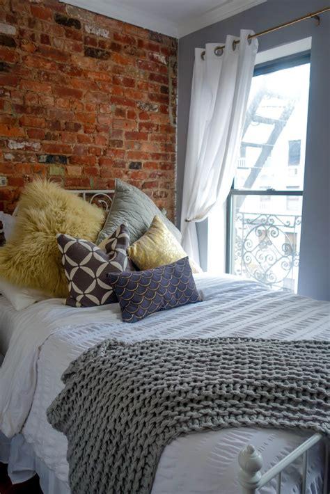 decorate  teeny tiny nyc bedroom fossypants