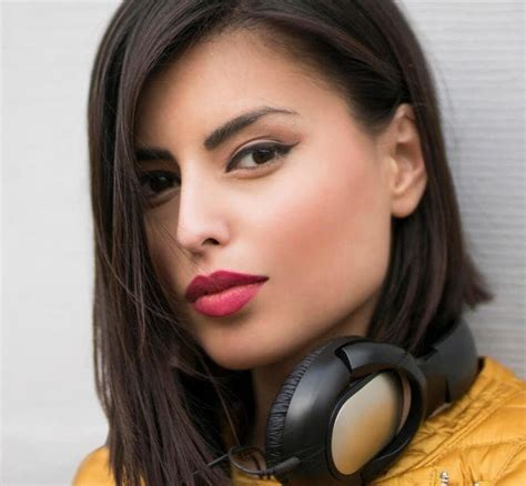 model rambut pendek wanita  rambut tebal