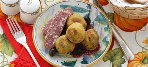 come cucinare le salamelle ricetta crocchette alle salamelle e ortiche cucinarecarne it