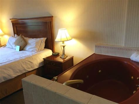 hotels with in room in dc room with tub picture of savoy suites hotel washington dc tripadvisor