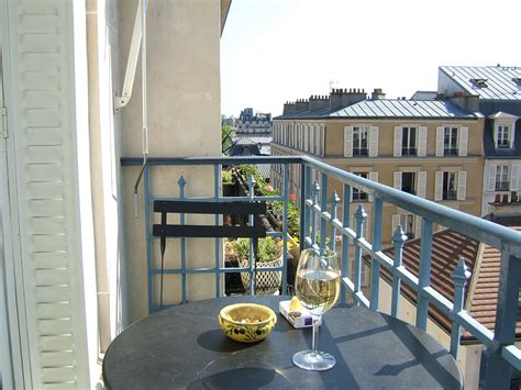 appartment in paris how to rent an apartment in paris business insider
