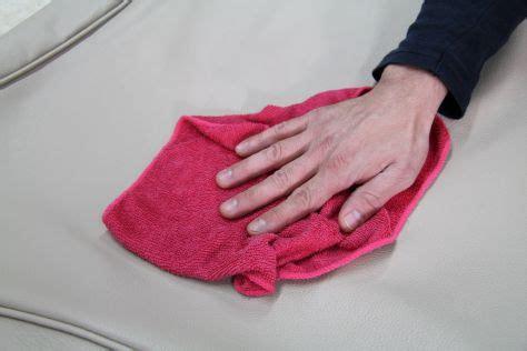come pulire i divani di pelle come pulire i divani in pelle beige divani santambrogio
