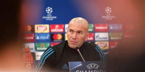Kaos Der Sar agen bola der sar zidane benar benar sakti