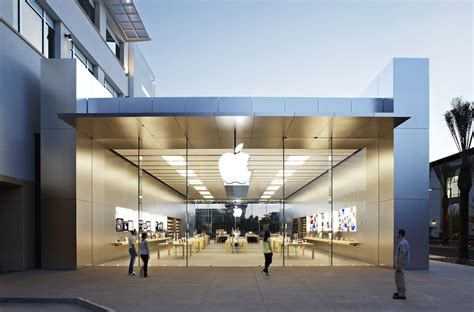 home store design quarter scottsdale apple store showcases updated retail design