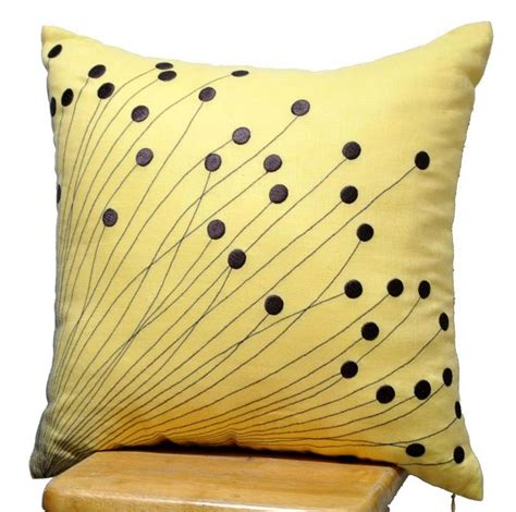 decorative pillows for brown couch best 25 decorative pillows for couch ideas on pinterest