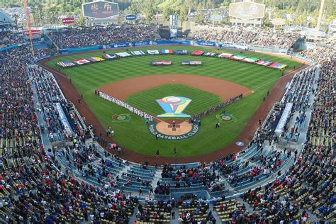 Dodger Game Giveaways 2017 - dodgers 2017 promotional items stadium upgrades and parking changes true blue la