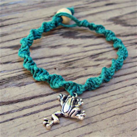 Hemp Macrame Patterns - macrame hemp bracelet frog charm green from