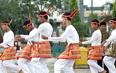 Gamis Aceh Mutiara tari seudati tarian aceh yang menggambarkan kekompakan