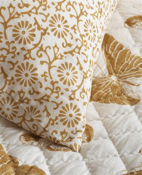 papillon margaux quilt in gold les indiennes