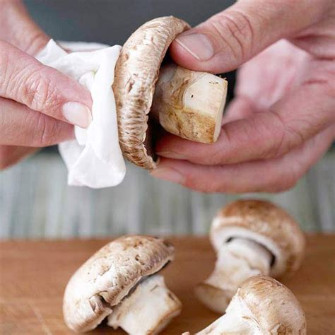 how to clean and store mushrooms