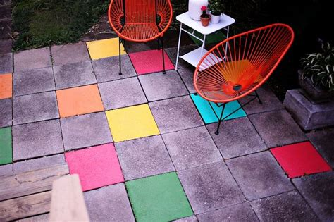 10 Paver Patios That Add Dimension And Flair To The Yard Painting Patio Pavers