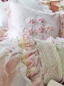 33 best shabby chic bedding and quilt images on pinterest