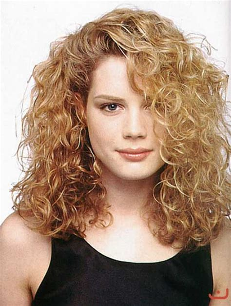Hairstyles For Thick Curly Hair by 20 Best Haircuts For Thick Curly Hair Hairstyles