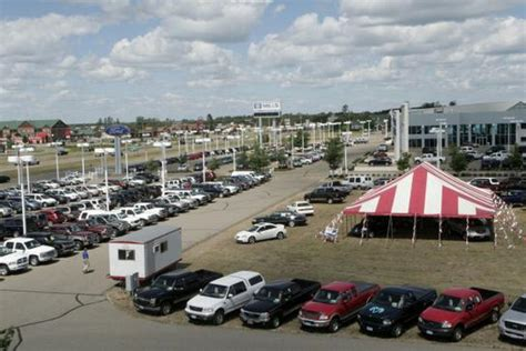 Mills Ford Lincoln car dealership in Baxter, MN 56425