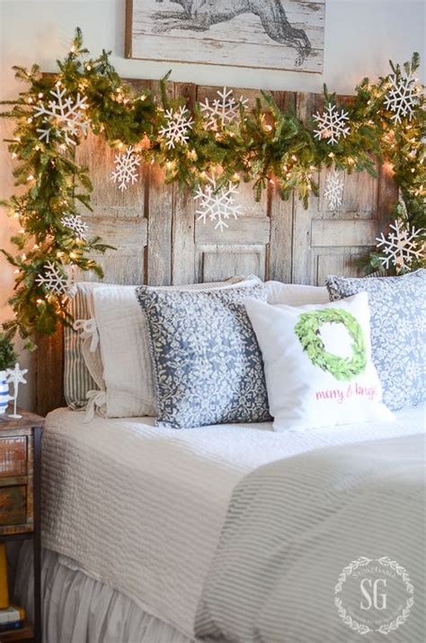 bedroom garland 25 best ideas about bright christmas decorations on