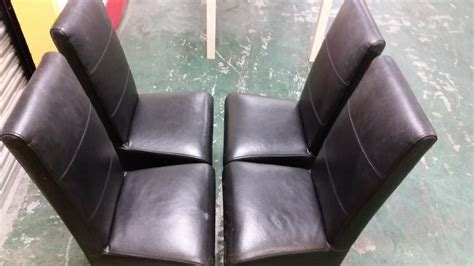 dining table with 4 leather black chairs 180 215 90 used