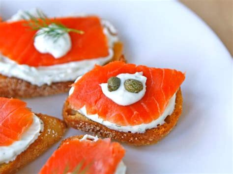 Small Kitchen Ideas Pinterest by Smoked Salmon Crostini Easy Lox Appetizer Recipe