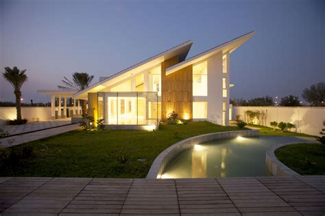 modern house roof contemporary residence bahrain house architected by moriq