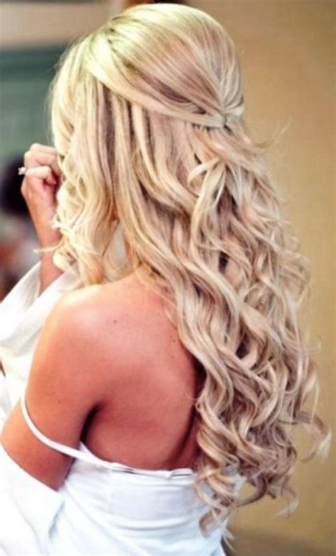 Prom Hairstyles For Curly Hair by Curly Hairstyles For Prom For Medium Length Hair