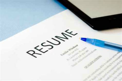 How To Get Your Resume Noticed by How To Get Your Resume Noticed For The Right Reasons