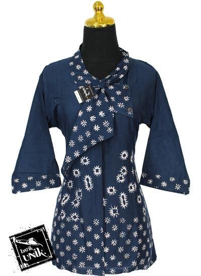 U082 Baju Atasan Batik Bunga 1 baju batik sarimbit motif tumpal bunga cengkeh sarimbit