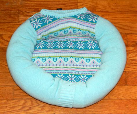 Handmade Cat Bed - pet bed unique sweater upcycled handmade cat bed bed