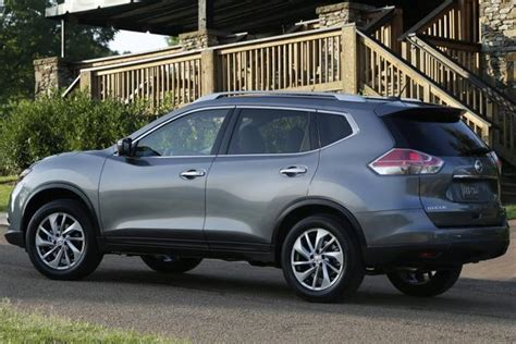 which car is better toyota or nissan 2014 nissan rogue vs 2014 toyota rav4 which is better