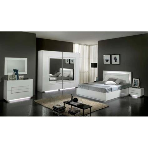 modele de chambre a coucher simple chambre 224 coucher mod 232 le city laquee blanche avec armoire