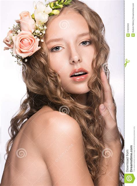 beautiful videos beautiful girl with flowers in her hair and pink makeup