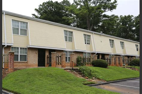 Riverside Apartment Townhomes Austell Ga Reviews 65 Lakeside Apartment Townhomes College Park Ga The Two