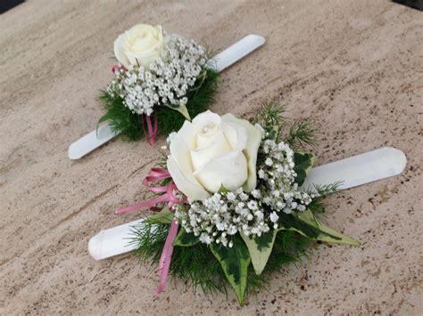bracciali con fiori come indossare un braccialetto di fiori ad un matrimonio