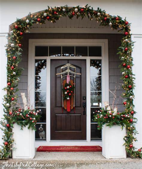 40 appealing christmas main door decoration ideas all 40 appealing christmas main door decoration ideas all