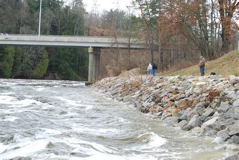 boat crash muskegon michigan fishing reports steelhead trout salmon