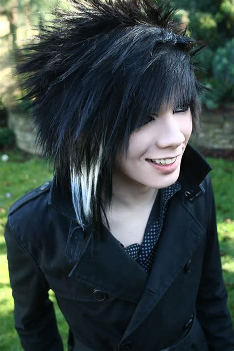 emo boy hair style 15 different emo hairstyles for boys xpressmag