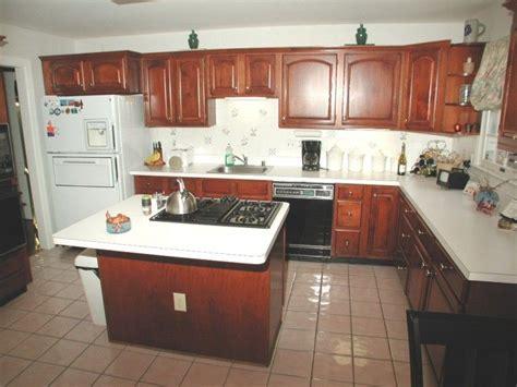 kitchen floor  island  ccddea home