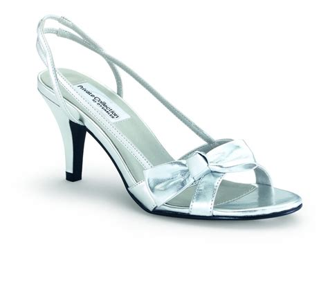 wide width bridal shoes 9 best wide width wedding shoes images on wide