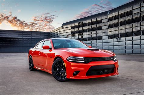 dodge cahrger dodge adds bit of hellcat to 2017 dodge charger challenger