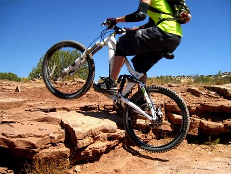 best mountain bike shoes how to choose the best mountain bike shoes singletracks