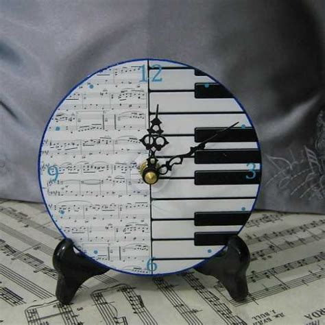 Keyboard Decorations by Black And White Decorating Ideas Highlighting Themes