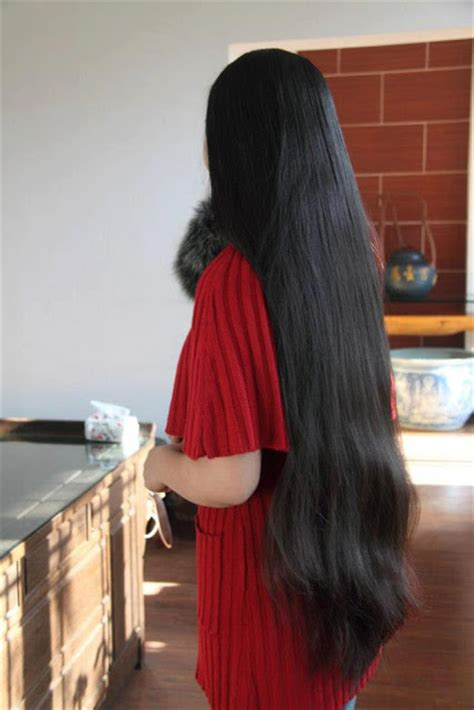 haircuts for long hair in kerala young kerala girl at a star hotel with loose long hair jpg