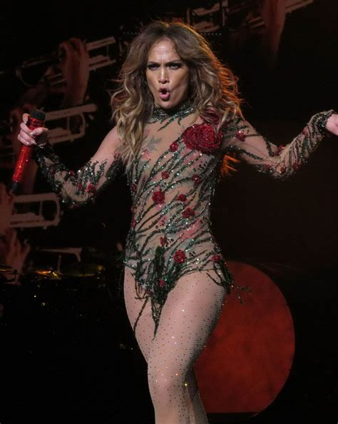all i have jlo jennifer lopez on stage at opening night of her all i have